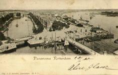 PBK-1983-764 Overzicht van het Oudehoofdplein, de Oosterkade en het Maasstation. Op de voorgrond de Oudehaven met een ...