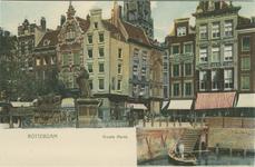 PBK-1983-917 Gezicht op de Grotemarkt met het standbeeld van Erasmus op de overwelving ( doorgang binnenvaart ). In het ...