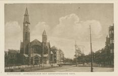PBK-1984-28 De Bergselaan. Links de Gereformeerde Bergsingelkerk aan de Bergsingel, uit het zuidwesten.