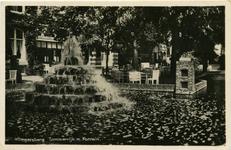 PBK-1986-245 De fontein in de vijver op het terrein van uitspanning Lommerrijk, voorheen Vrouw Romein aan de Straatweg.