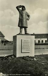 PBK-1986-291 Monument aan de Berghaven in Hoek van Holland opgericht in 1931 ter nagedachtenis van de opvarenden van ...