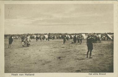 PBK-1986-305 Mensen aan het strand in Hoek van Holland.