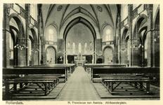 PBK-1986-7-13-TM-19 Boekje met afbeeldingen van het interieur van 18 rooms-katholieke kerken, waarvan 7 afgebeeld. Van ...