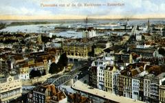 PBK-1987-1093 Overzicht van het zuidoostelijke deel van het stadscentrum vanaf de toren van de Grote Kerk. Op de ...