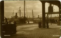 PBK-1987-1411 De kade aan de oostzijde van de Rijnhaven, vanuit het zuidoosten.