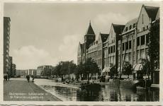 PBK-1987-1464 Schiekade, uit het zuiden, vanaf het Hofplein. Rechts het Sint Franciscus Gasthuis.