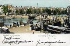 PBK-1987-156 De Koningsbrug over de Oudehaven vanuit het zuidwesten, vanaf het Bolwerk. Op de achtergrond de ...