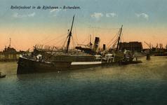 PBK-1987-182 Het vrachtschip Flandria maakt slagzij in de Rijnhaven