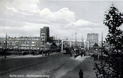 PBK-1987-552 Mathenesserbrug in de richting van het het Mathenesserplein.