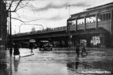 PBK-1987-640 Gezicht op station Beurs aan het Beursplein.