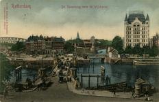 PBK-1987-938 Verkeer op de Koningsbrug over de Oudehaven, op de achtergrond links het Bolwerk, de Jan Kuitenbrug en ...