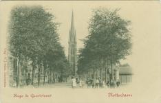 PBK-1988-232 Hugo de Grootstraat, ter hoogte van de Veemarkt, vanuit het zuiden. Op de achtergrond de rooms-katholieke ...