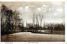 PBK-1988-283 Gezicht op de vijver in het Park Rozenburg.