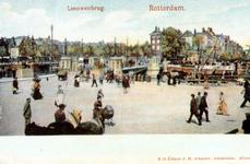 PBK-1989-35 Het Bolwerk, vanuit het zuidwesten. In het midden de Koningsbrug over de Oudehaven. Op de achtergrond links ...