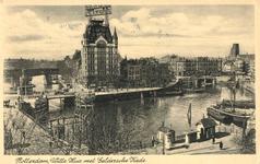 PBK-1990-127 Gezicht op de Oudehaven met rechts de Koningsbrug, verder de Jan Kuitenbrug en de Geldersekade met het ...