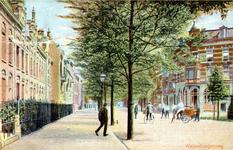 PBK-1992-38 Kinderen spelen midden op de Walenburgerweg.