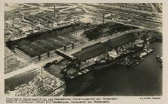 PBK-1993-1032 Luchtopname van de werf van Thomsen's Havenbedrijf N.V. aan de Lekhaven en het Keilepand aan de Keilestraat.
