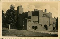PBK-1993-1098 Het gebouw van de Hogere Burgerschool aan het Afrikaanderplein.
