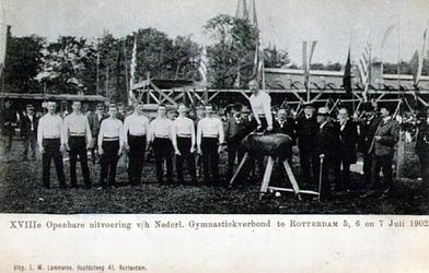 PBK-1993-113 Het exercitieveld in Crooswijk, tijdens de 18e openbare uitvoering van het Nederlands Gymnastiekverbond op ...
