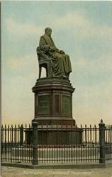 PBK-1993-341 Het standbeeld van Gijsbert Karel van Hogendorp aan het Van Hogendorpsplein.