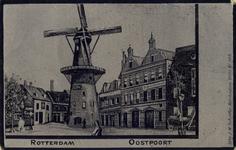 PBK-1993-379 Gezicht op molen De Noord aan het Oostplein. Rechts huizen aan de zuidzijde van de Goudsevest en de Oostvest.