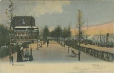 PBK-1993-4 De wandelpromenade in het westelijk deel van het Park. Links restaurant Bellevue, rechts de Parkkade.