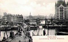 PBK-1993-417 De Koningsbrug over de Oudehaven, uit het oosten. Op de achtergrond links het Bolwerk in het midden de Jan ...
