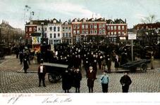 PBK-1993-435 Noordplein met links de Erasmusstraat. Geheel rechts de Noordmolenstraat.