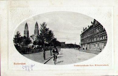 PBK-1993-456 Gezicht op de Vredenoordkade. Links de torens van de Koninginnekerk.