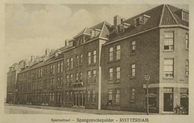 PBK-1993-59 Gezicht in de Spartastraat. Rechts op de voorgrond de Spiegelstraat.