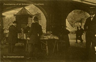 PBK-1993-886 Boekenmarkt onder de spoorwegviaduct over de Binnenrotte.