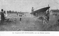 PBK-1993-942 Demonstratie van de vliegduivel, Jan Olieslagers met zijn Blérot machine.