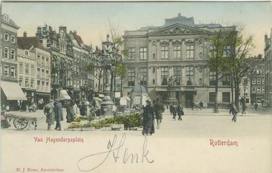 PBK-1993-96 Van Hogendorpsplein met het Schielandshuis, uit het westen gezien. Links de Boijmansstraat en rechts de ...