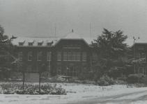 PBK-1995-175 Het hoofdgebouw van Krankzinnigengesticht Maasoord, thans Delta Psychiatrisch Ziekenhuis aan de ...