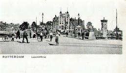 PBK-1995-77 Koningsbrug, vanaf het Bolwerk, vanuit het westen. Op de achtergrond hotel Smits aan het Oudehoofdplein.