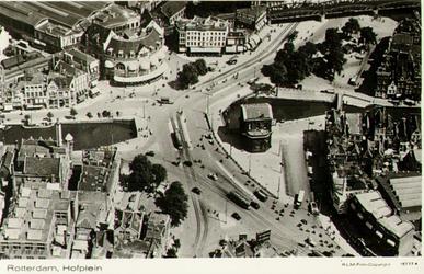 PBK-1998-131 Luchtopname van het Hofplein en omgeving, uit het westen.