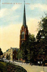 PBK-1999-140 De rooms-katholieke Sint-Lambertuskerk op de hoek van de Hoflaan en de Oostzeedijk Beneden.
