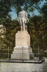 PBK-2000-219 Het monument van Tollens in het Park aan de Westzeedijk.
