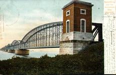 PBK-2000-54 Gezicht op de spoorbrug over het Hollands Diep (Moerdijk).