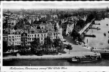 PBK-2000-70 Haringvliet met op de voorgrond hotel Weimar op de hoek van de Spaansekade, vanaf het Witte Huis aan de ...