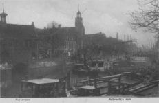 PBK-2002-178 Gezicht op de Aelbrechtskolk met de Oude Kerk en de Piet Heynsbrug. Uit het noorden.