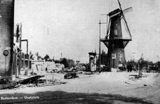 PBK-2003-149 Restanten van de Marinierskazerne en omgeving van het Oostplein, molen De Noord blijft ongeschonden, na ...