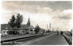 PBK-2003-256 Gezicht op de Groene Kruisweg voorheen Tramdijk genaamd in Hoogvliet
