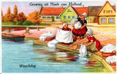PBK-2003-258 Vrouwen doen de was in Hoek van Holland.