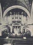 PBK-2005-391 Het interieur van de Koninginnekerk aan de Boezemsingel, naar de preekstoel en het orgel gezien.