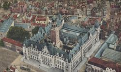 PBK-2005-416 Overzicht van het stadhuis aan de Coolsingel en omgeving.