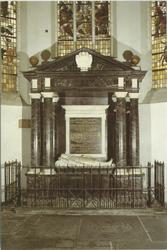 PBK-2005-529 Grafmonument van Pieter Pieterz. Heyn of Piet Hein, bewindhebber van de West-Indische Compagnie. ...