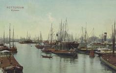 PBK-2005-634 Overslag van goederen bij diverse schepen in de Rijnhaven.