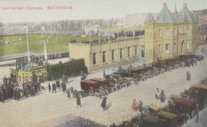 PBK-2005-658 Gezicht op het stadion en het kasteel, de hoofdingang van de voetbalclub Sparta aan de Spartastraat.
