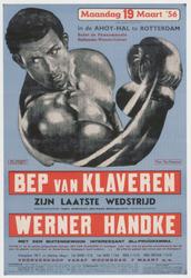 PBK-2005-70 Aankondiging van de laatste bokswedstrijd van Bep van Klaveren tegen Werner Handke op 19 maart 1956, in de ...